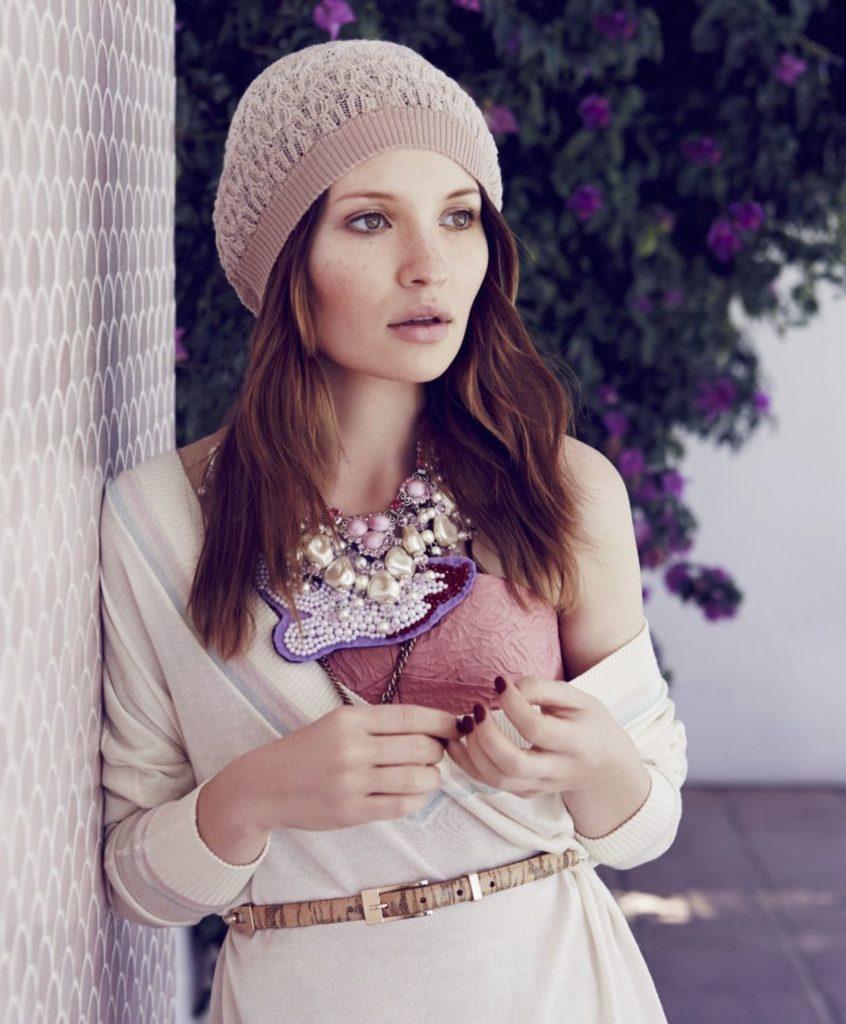 Emily Browning Photos