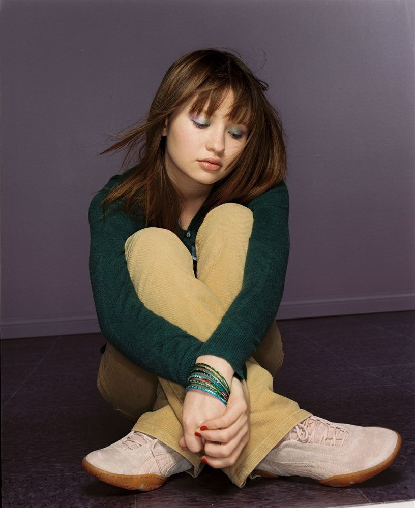 Emily Browning Photos Gallery