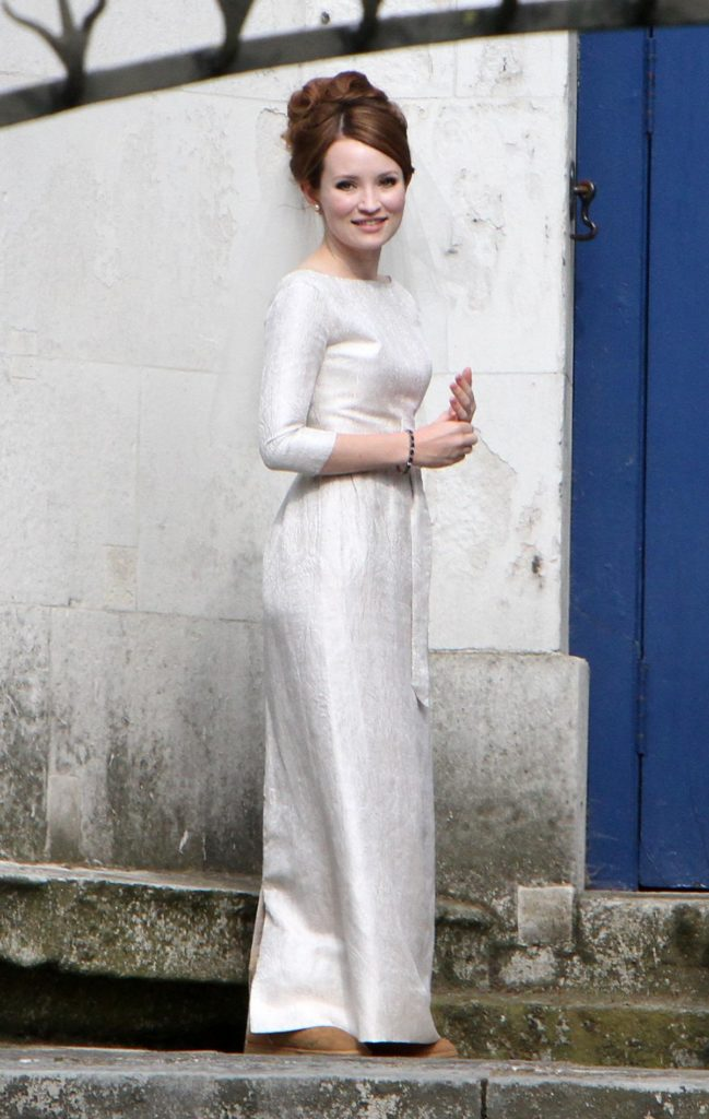 Emily Browning Sexy Look Images