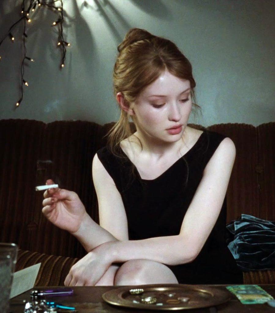 Emily Browning Without Makeup Photos
