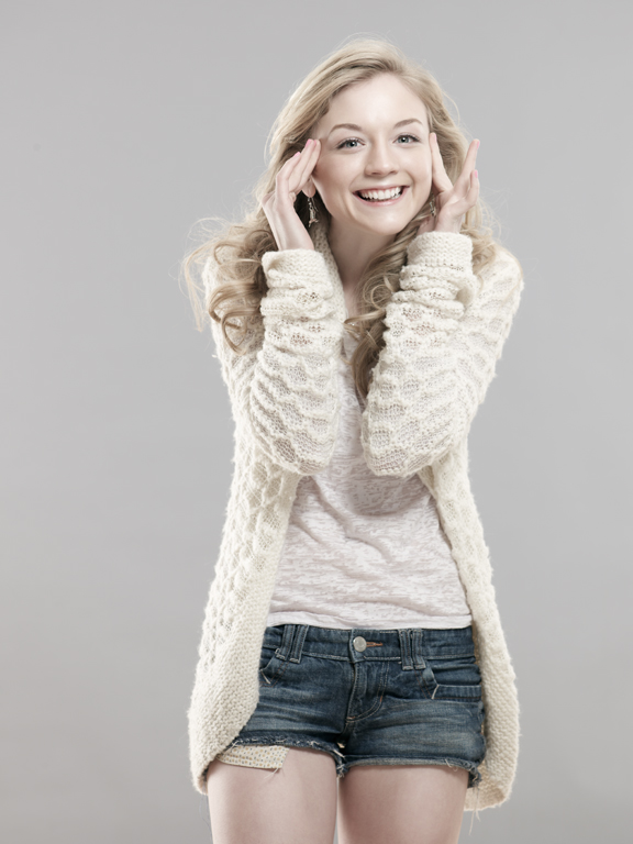 Emily Kinney Leaked PIctures