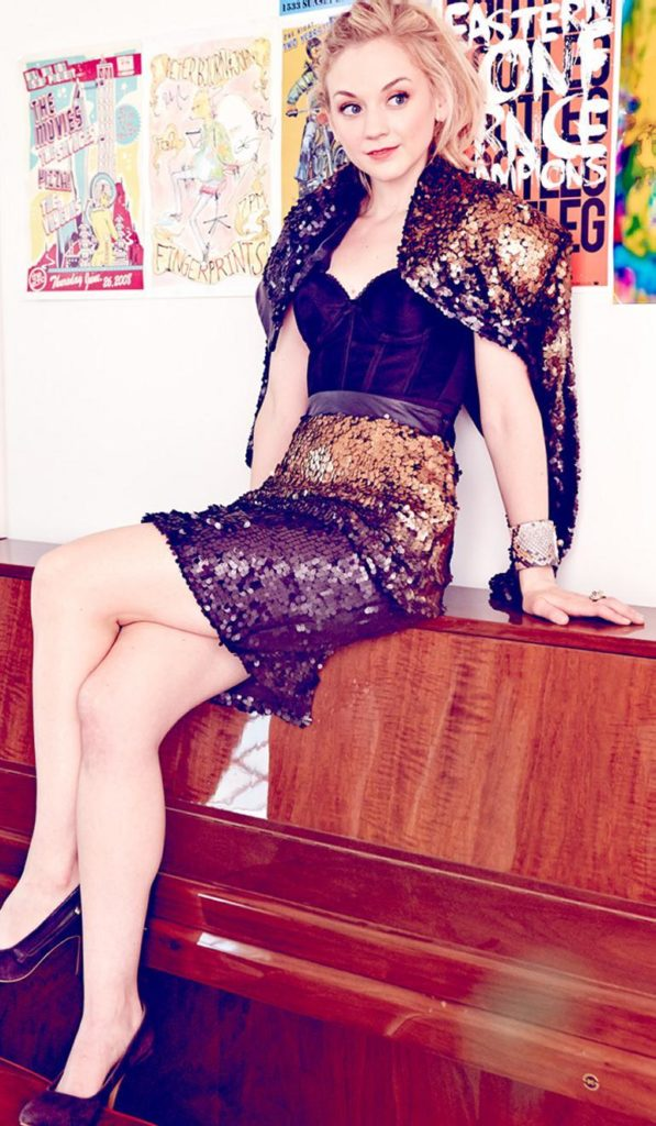 Emily Kinney Shorts Clothes Photos
