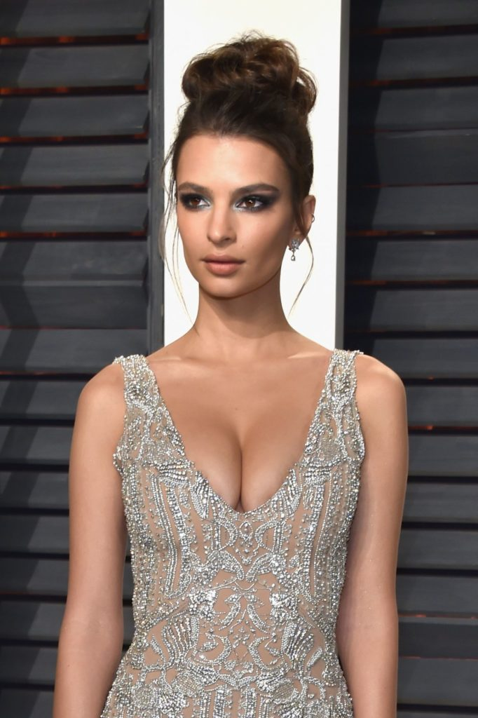 Emily Ratajkowski Braless Photos