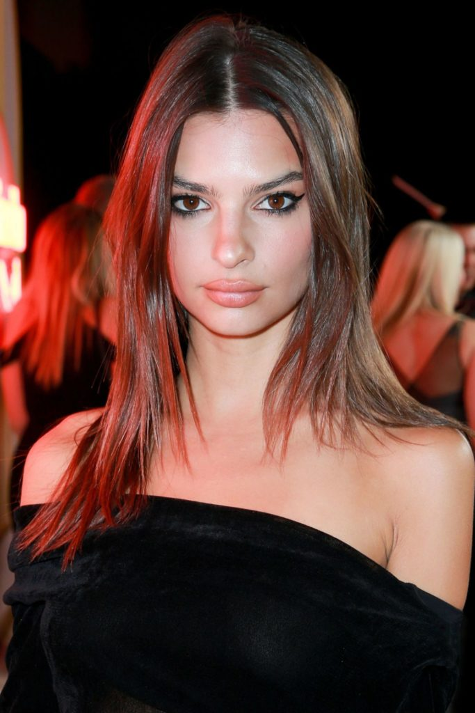 Emily Ratajkowski Makeup Wallpaeprs