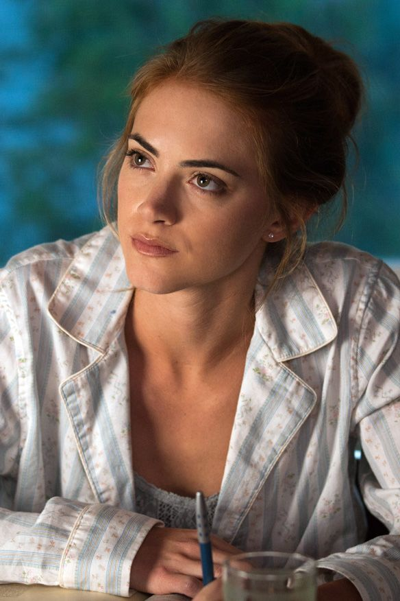 Emily Wickersham Braless Images