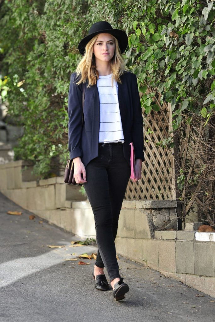 Emily Wickersham Leggings Images