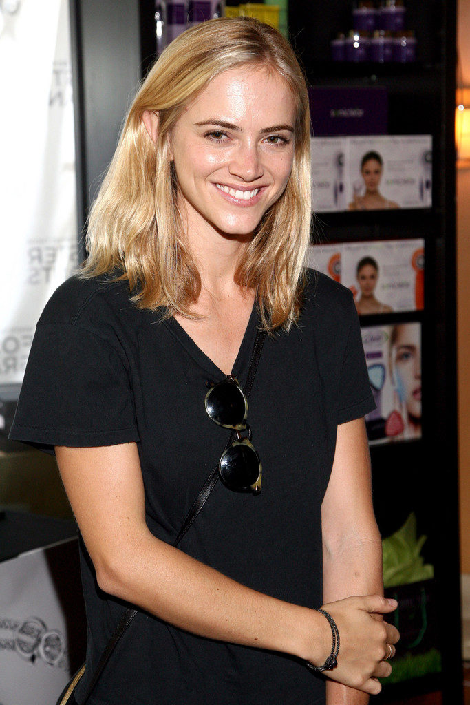 Emily Wickersham Smile Pictures