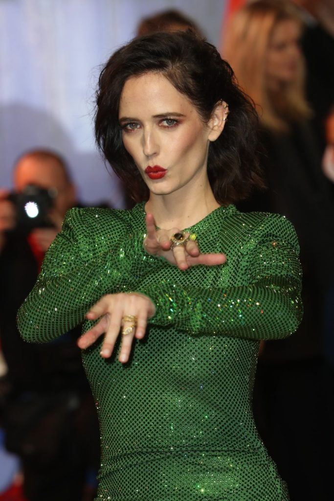 Eva Green Hot Pose Pics