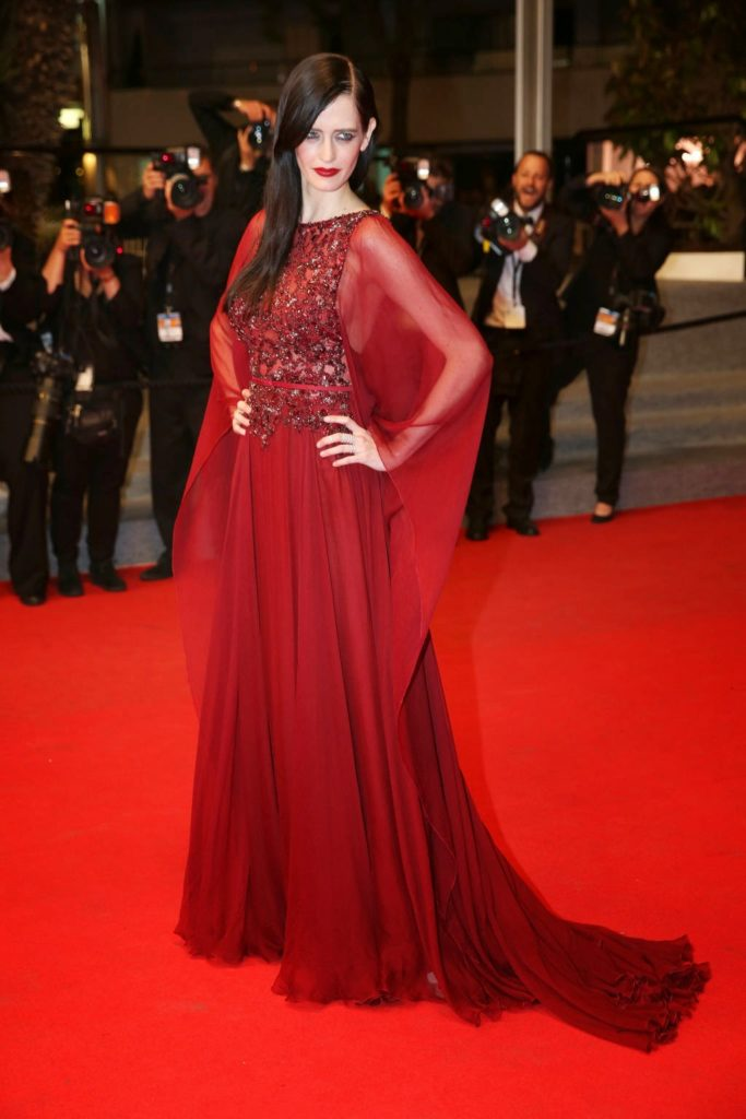 Eva Green In Red Gown Pics