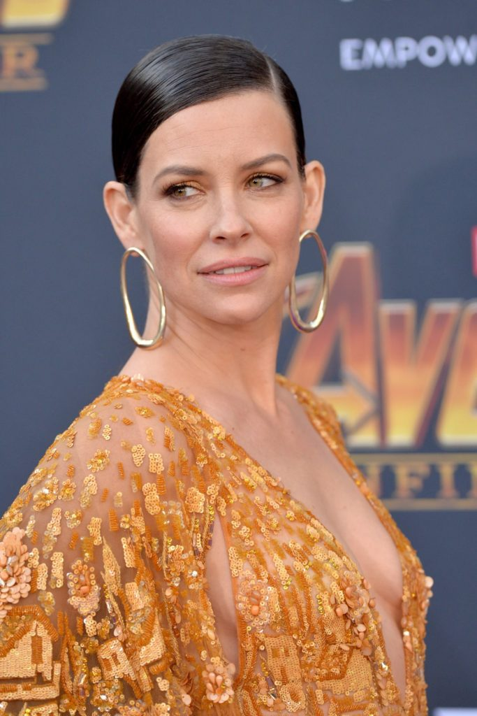 Evangeline Lilly Boobs Pics