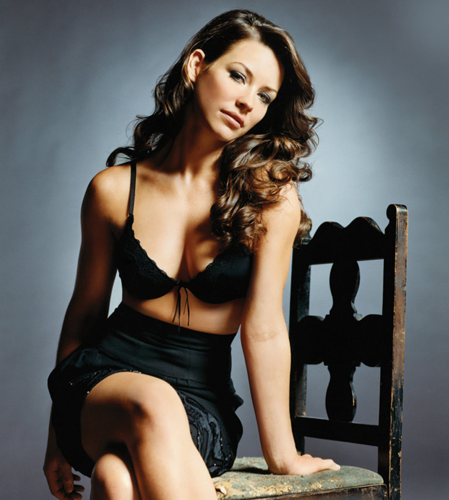 Evangeline Lilly Bra Photos