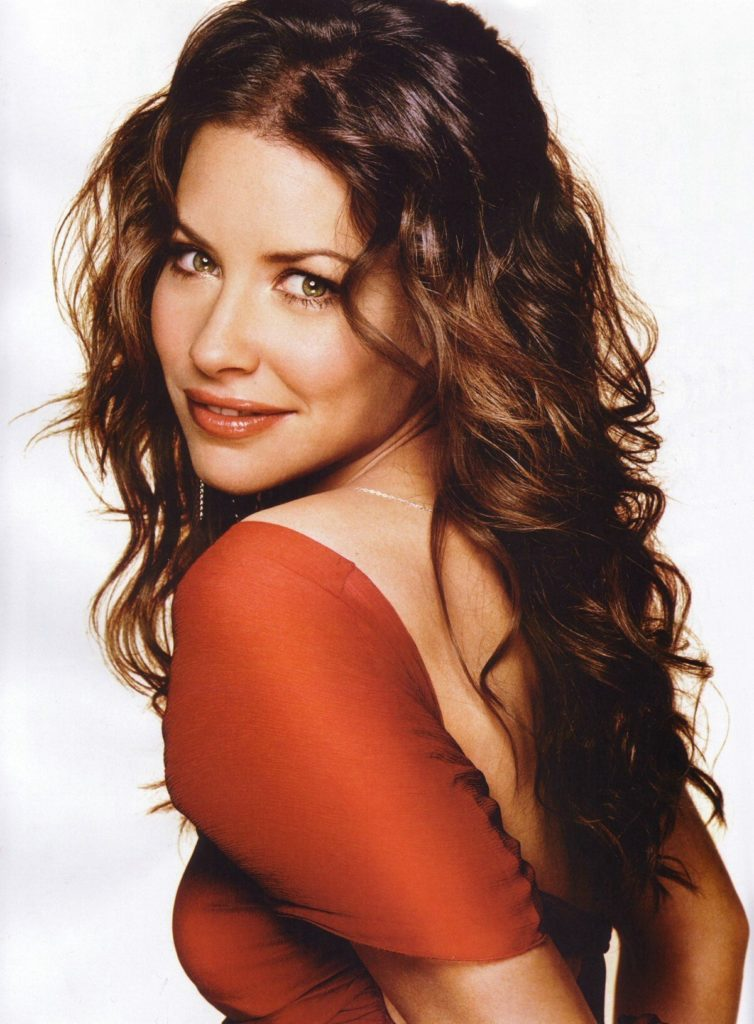 Evangeline Lilly Hair Style PHotos