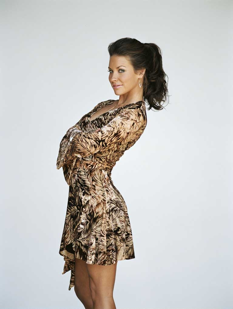 Evangeline Lilly Shorts Photos