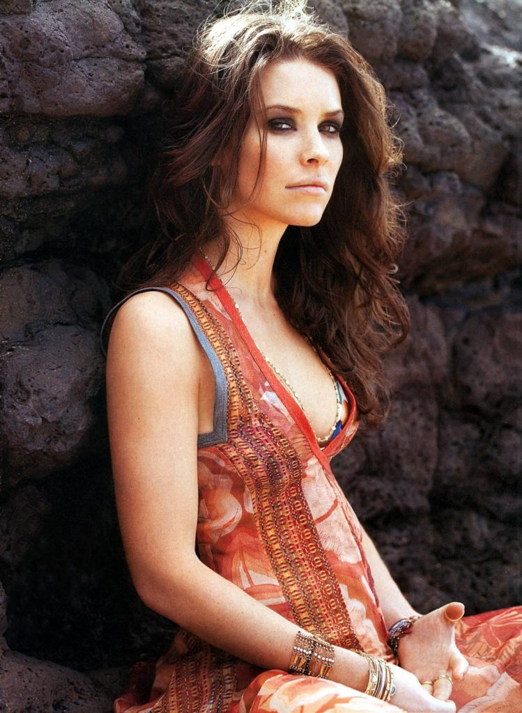 Evangeline Lilly Topless Pictures
