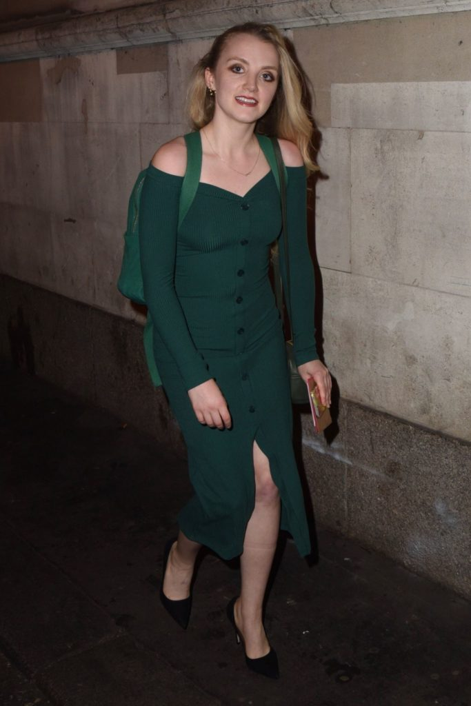 Evanna Lynch Legs Pictures