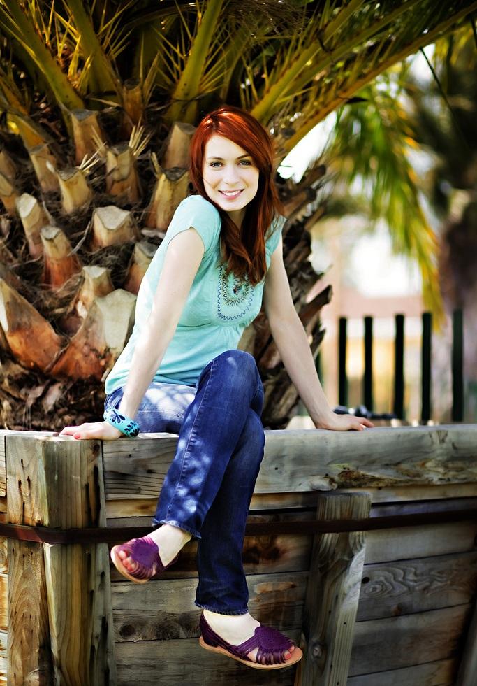 Felicia Day Jeans Pics