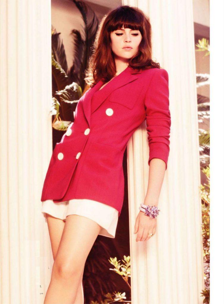 Felicity Jones Shorts Wallpapers