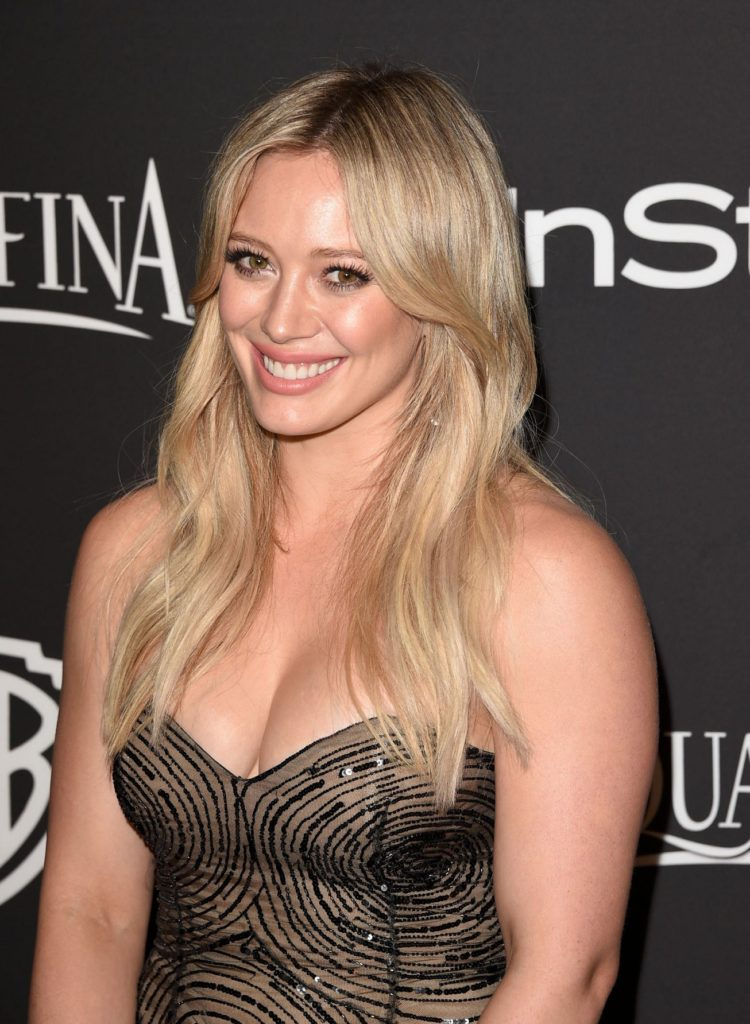 Hilary Duff Braless Pics