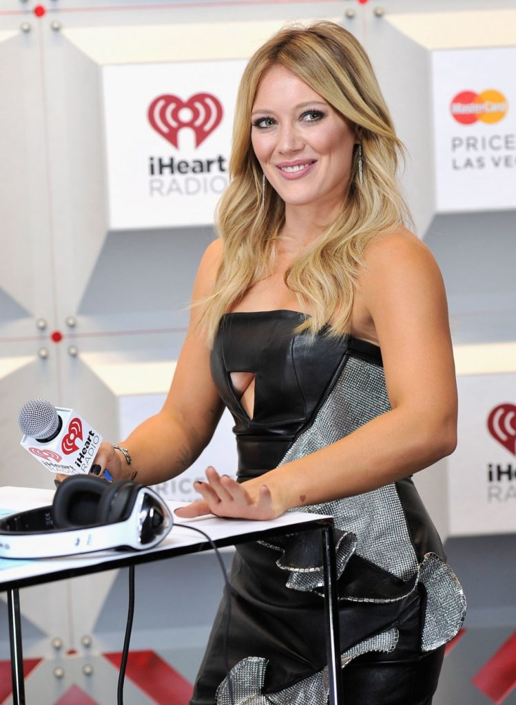 Hilary Duff Cute Smile Pics