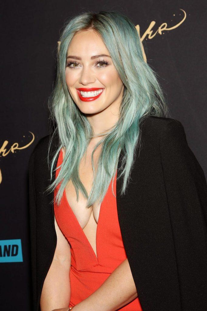 Hilary Duff Smiling Pics