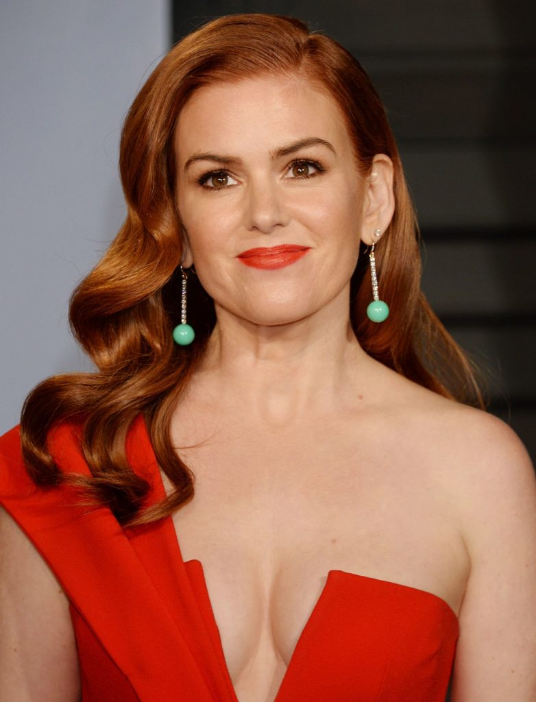 Isla Fisher Braless Photos