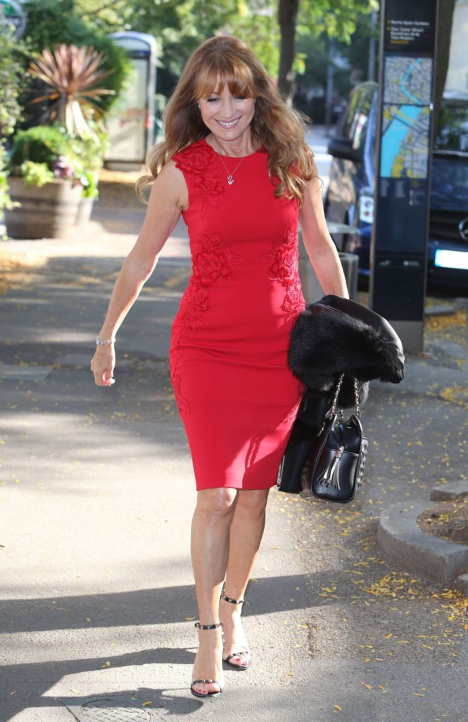 Jane Seymour Shorts Pictures