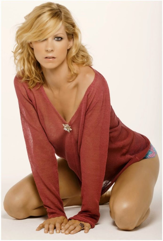 Jenna Elfman Bikini Wallpapers
