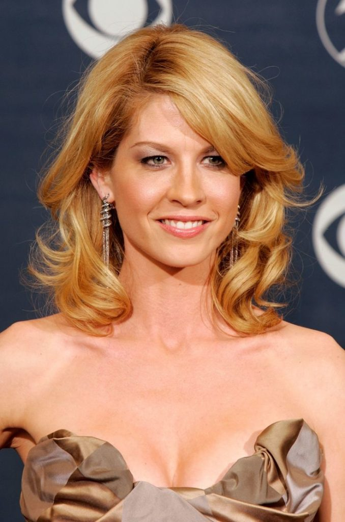 Jenna Elfman Bra Wallpapers