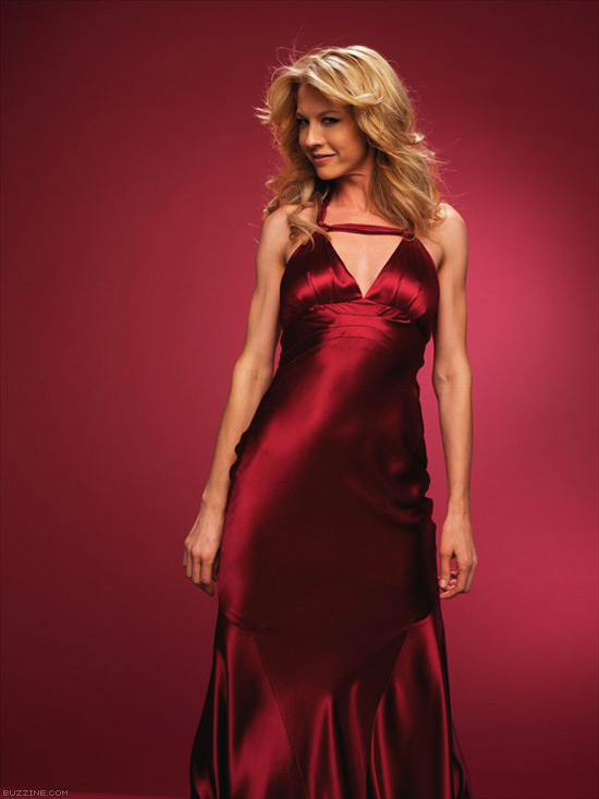 Jenna Elfman In Red Gown Pics