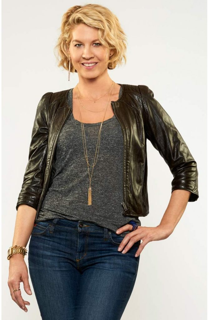Jenna Elfman Jeans Images