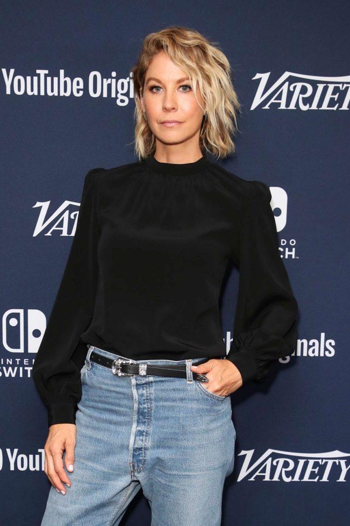 Jenna Elfman Jeans Pics