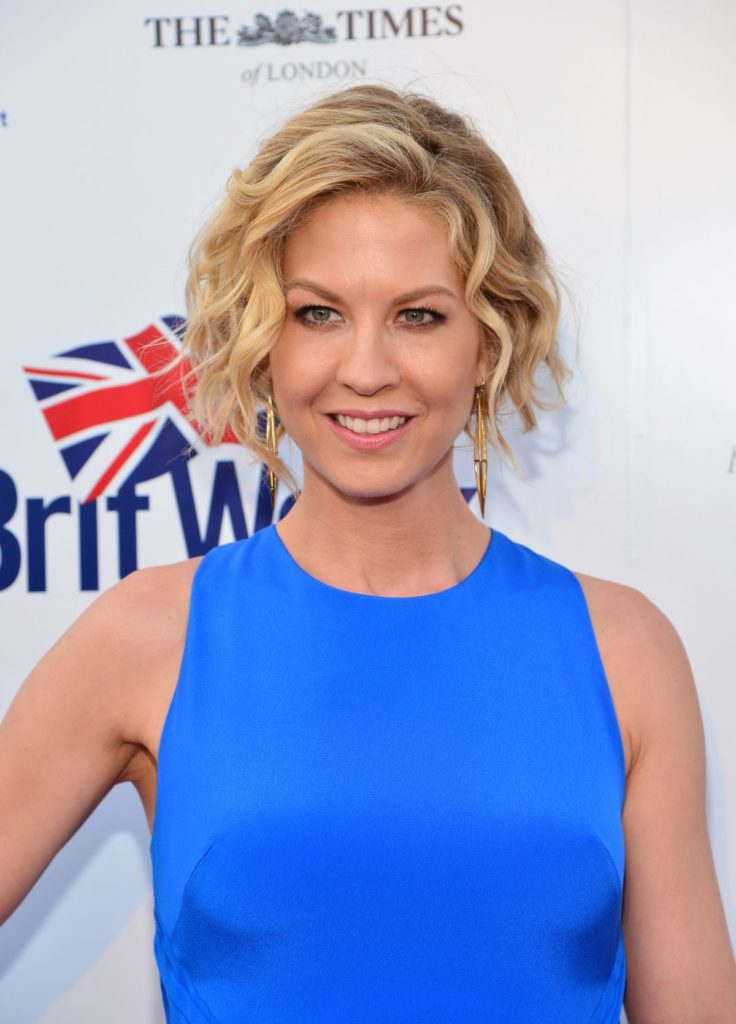 Jenna Elfman Makeup Photos