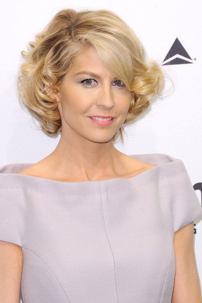 Jenna Elfman Makeup Photoshoot