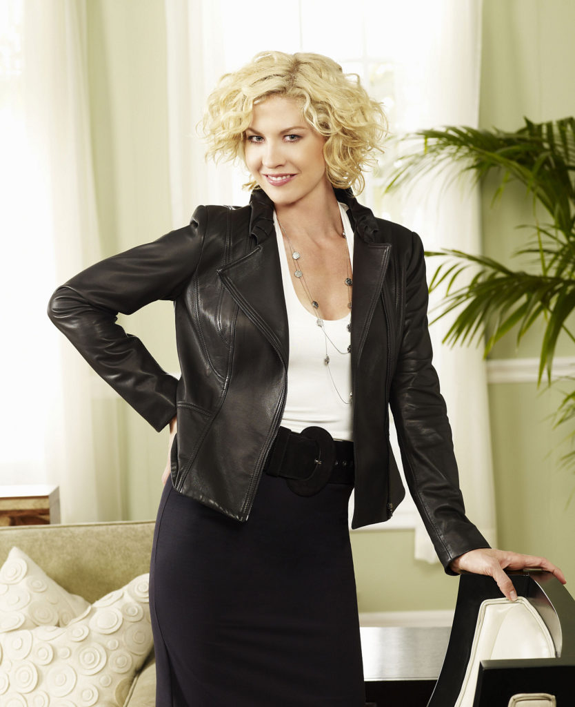 Jenna Elfman Sexy Look Images