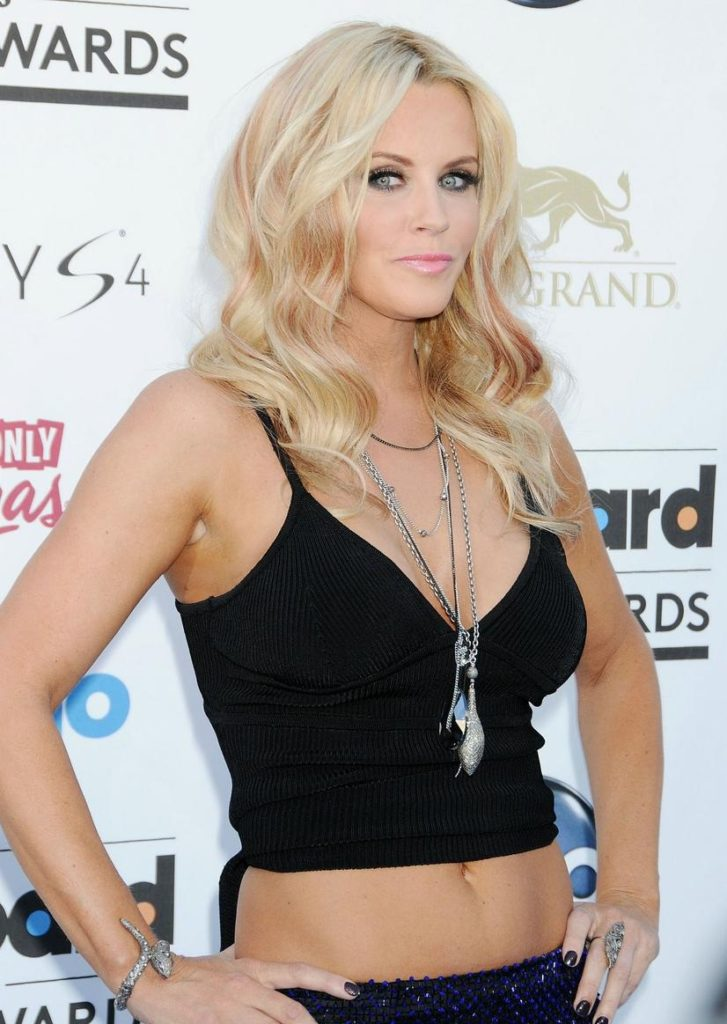 Jenny McCarthy Navel Wallpapers