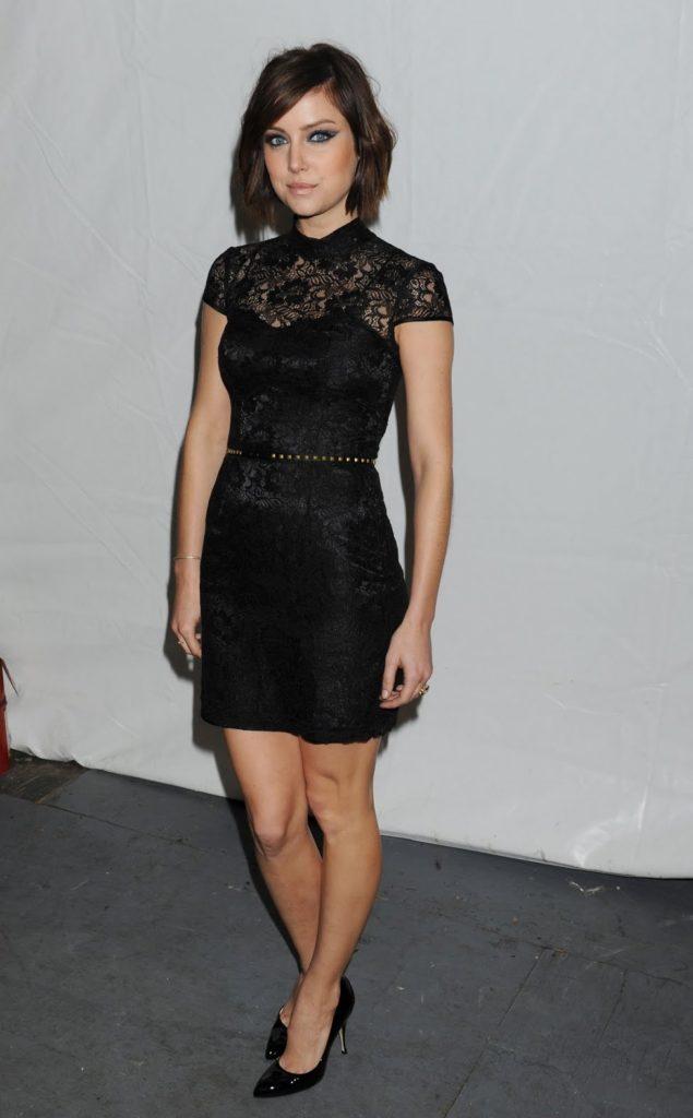 Jessica Stroup Shorts Pics