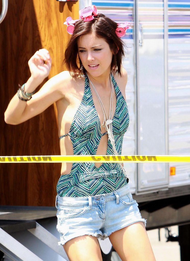 Jessica Stroup Topless Images