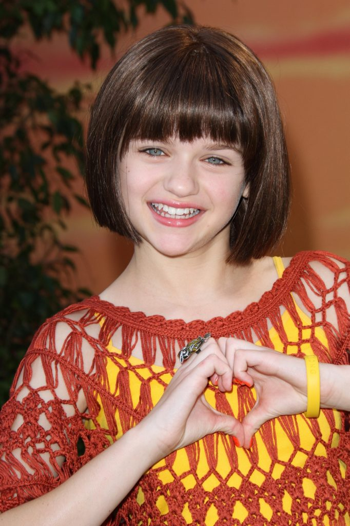 Joey-King-Cute-Smile-Images