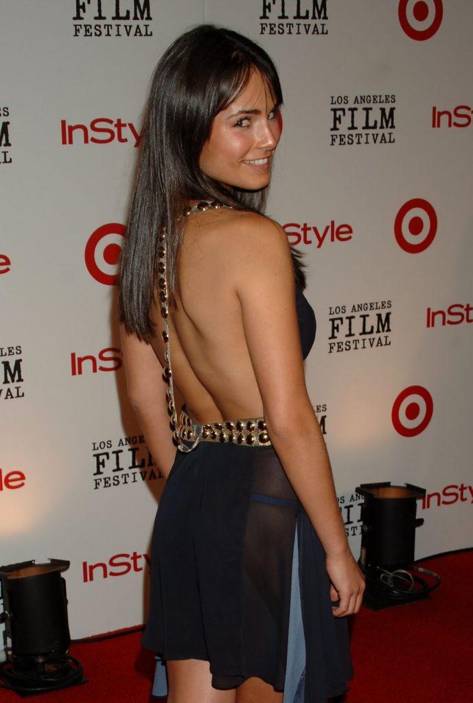 Jordana-Brewster-Undergarments-Pics