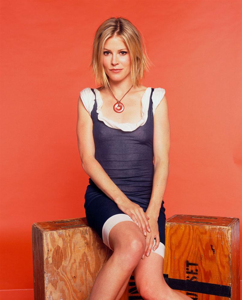 Julie-Bowen-Feet-Photos