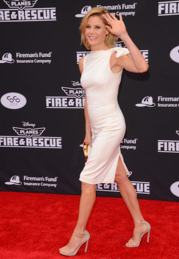 Julie-Bowen-Shorts-Pictures