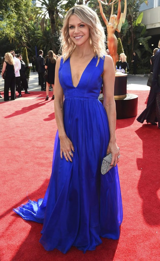 Kaitlin-Olson-In-Blue-Gown-Pics