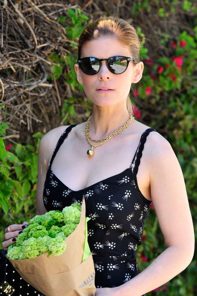 Kate-Mara-Goggles-Pics