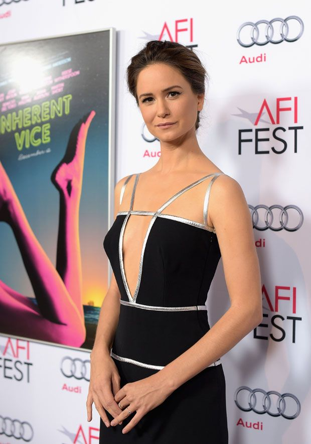 Katherine-Waterston-Topless-Images