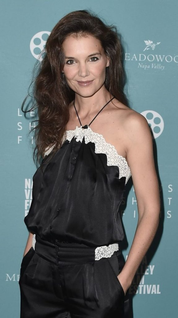 Katie-Holmes-Offsholder-Clothes-Pics
