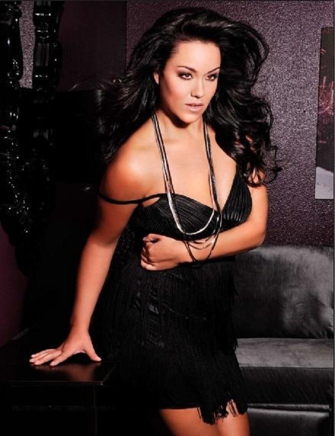 Katy-Mixon-Topless-Pics