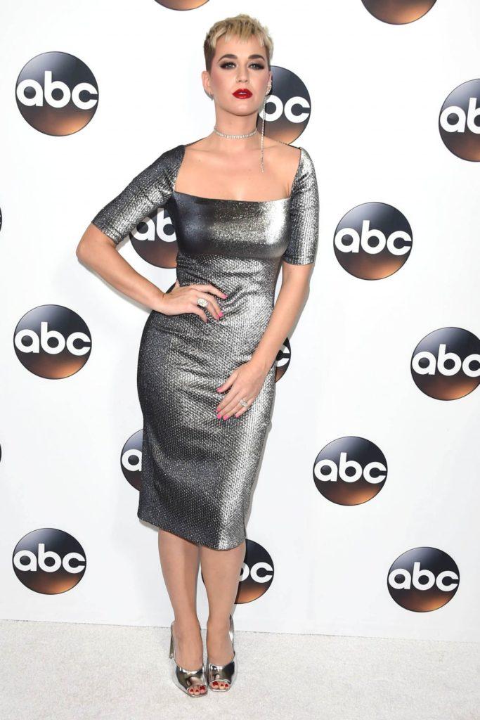 Katy-Perry-Legs-Pics