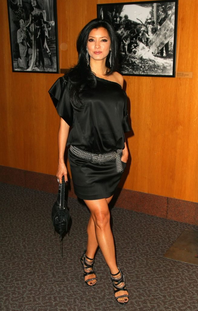Kelly-Hu-High-Heals-Pics