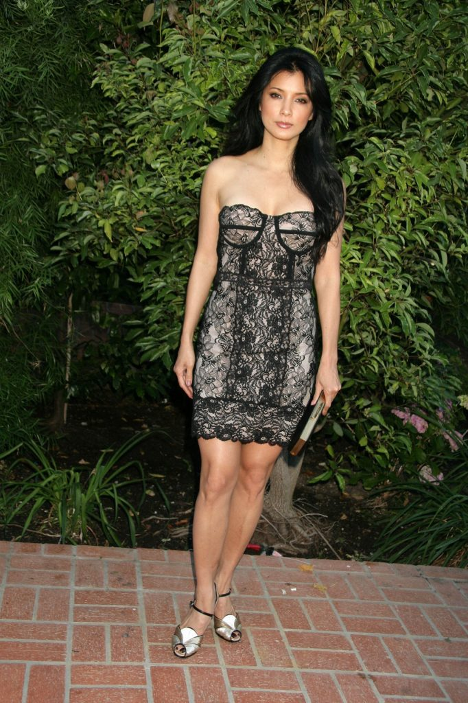 Kelly-Hu-Shorts-Pictures