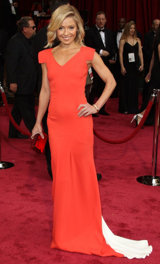 Kelly-Ripa-In-Gown-Pics